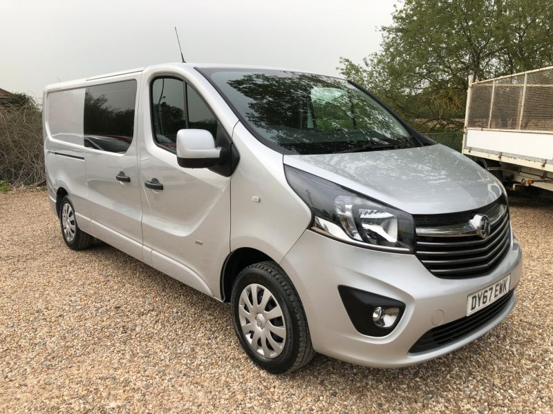 Used VAUXHALL VIVARO in Hampshire for sale